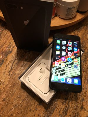 Iphone 7plus black with headphones 🎧 for Sale in Broomfield, CO