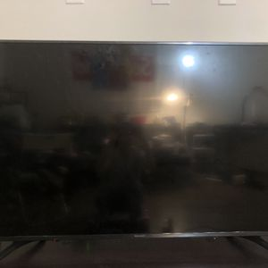 55 Inch Sharp TV — 4K UHD TV with HDR Roku TV for Sale in Los Angeles, CA