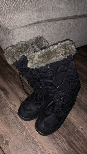 Women's snow boots for Sale in Turlock, CA