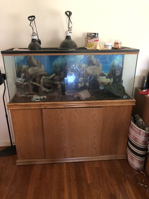55 gal. Fish tank with many extras. for Sale in Valley City, OH
