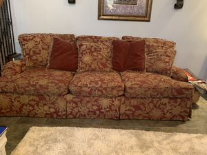 Large 8ft Bernhardt sofa. Free for Sale in Flower Mound, TX