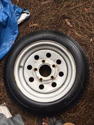 Trailer tire 5 lugs for Sale in Lake Worth, FL