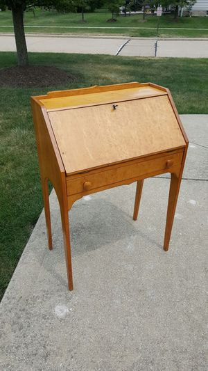 Antique Desk by Grand Rapid Fancy Furniture Co. for Sale in Parma Heights, OH