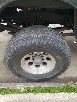 355/65/18 rims and tires for Sale in Columbus, OH
