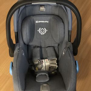 Upababy Mesa Car seat HENRY for Sale in Monroe, WA
