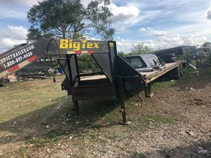 GOOSENECK 48 FT 8.5K TILT TRAILER 3.5K EXCELLENT SERIOUS ONLY PRICES R NON NEGOCIABLE for Sale in Miami, FL