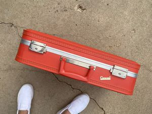 VINTAGE RED LUGGAGE for Sale in Amarillo, TX