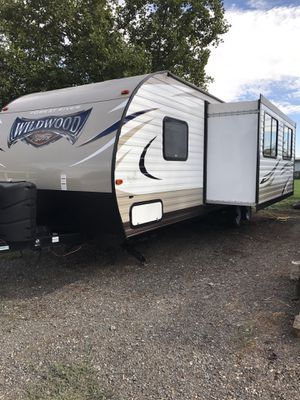 "23,000. 2017 Forest River Wildwood 263BHXL. Weight 5828, Length 31 11"" for Sale in Hermiston, OR"