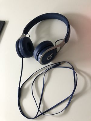 Beats by Dre wired headphones *Navy Blue* for Sale in Oldsmar, FL