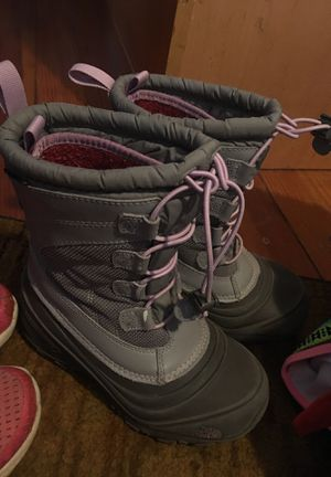 1y The North Face Girls Winter Boots with Therma Felt inserts Excellent Condition barely worn for Sale in East Providence, RI