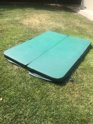 Outdoor hot tub cover 82x63 for Sale in Walnut Creek, CA