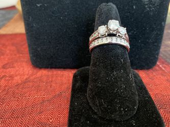 3 Stone Wedding Ring and Anniversary Band for Sale in Ellenwood,  GA