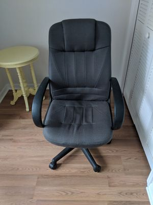 Computer chair for Sale in Naples, FL