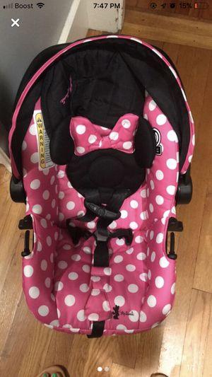 Minnie Car seat for Sale in Fitchburg, MA