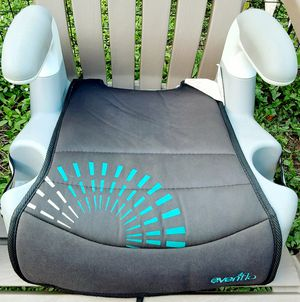 Car seat booster. Davie 33324 for Sale in Fort Lauderdale, FL