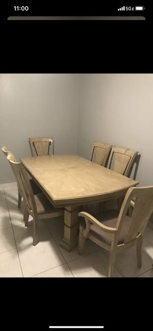 Dining table& chairs& server for Sale in Tampa, FL