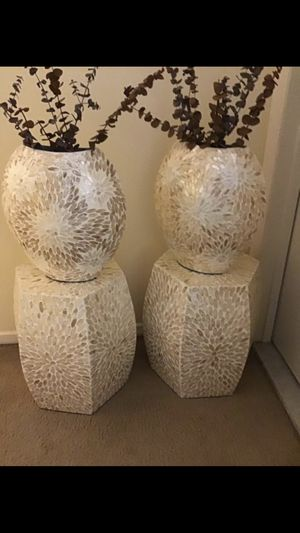 "4 pieces set of 2 mosaic 20"" stumps with 2 matching 14"" vases free floral sticks click on my profile picture choose my offers for more listings for Sale in Gaithersburg, MD"