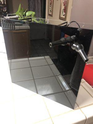 Fiji cube all-in-one 40 Gallon breeder box for Sale in Las Vegas, NV