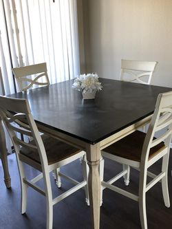 Kitchen Table and Chairs for Sale in Placentia,  CA