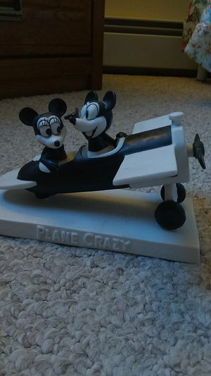 """Disney Mickey and Minnie Mouse""""Plane Crazy""""porcelain figurine for Sale in Brick Township, NJ"""