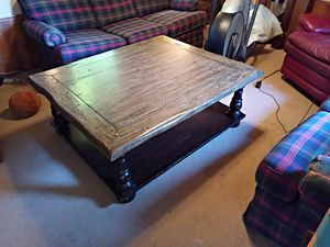 Coffee table for Sale in Grove, OK
