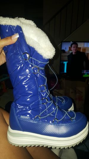 Khombu Girl's Cool Moon Blue/White Mid-Calf Boot Snow Boot size 1 Youth Kids for Sale in Rockville, MD
