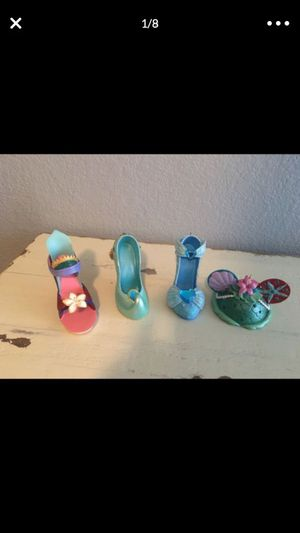 DISNEY PARK PRINCESS HIGH HEEL SHOE MULAN AND CINDERELLA AND JASMINE AND DISNEY EARS ARIEL THIS IS NOT A TOY THERE ARE COLLECTIBLE ( pick up only) for Sale in Las Vegas, NV