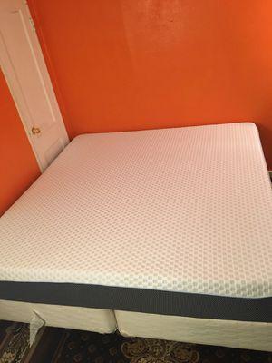 King mattress for Sale in Fairfield, AL