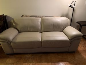 Leather couch for Sale in Greenbelt, MD