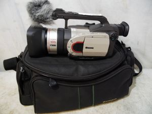 Canon DM-GL1A 3CCD Digital Video Camera Zoom NTSC Professional Mini DV Japan for Sale in Upper Darby, PA