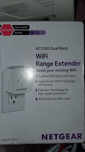 Netgear Wifi Extender for Sale in Los Angeles, CA