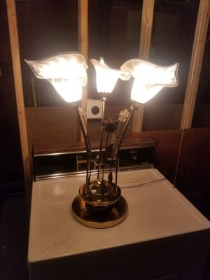 Beautiful table lamp with 3 lighting selections for Sale in Woonsocket, RI