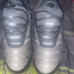 Nike Air Tns Size 9.5 Comes With Box for Sale in Balch Springs, TX