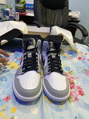 Smoke Grey Jordan 1 sz 8 for Sale in Jericho, NY
