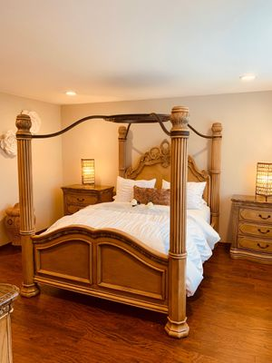 11 piece bedroom furniture set!! for Sale in Everett, WA