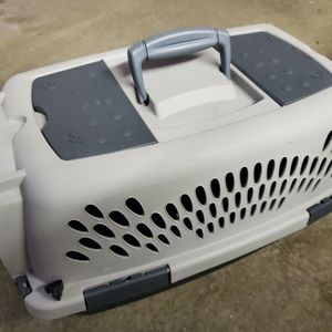 """Doskocil Pet Taxi Dog Cat Kennel Extra Small Up to 10 lbs - 19"""" for Sale in Dallas, TX"""