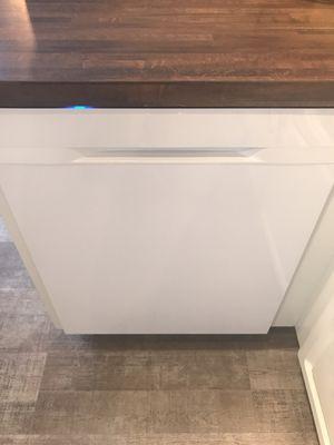 Samsung Stormwash 48-Decibel Built-in Dishwasher (White) for Sale in Nashville, TN