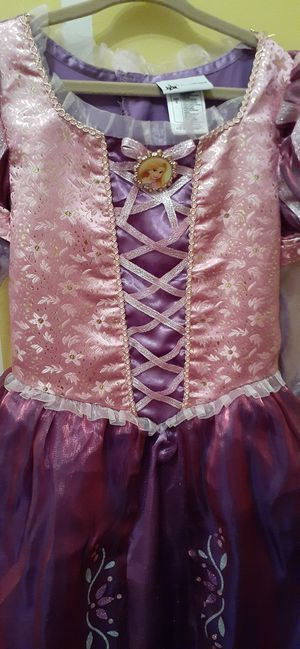 Beautiful Rapunzel Dress for Sale in Chicago, IL