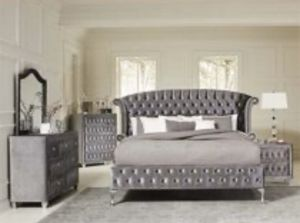 Brand new queen size bedroom set $1299 for Sale in Hialeah, FL