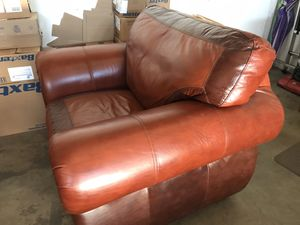 Great leather chair for Sale in Rancho Cucamonga, CA
