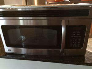 GE stainless steel microwave excellent condition for Sale in Adelphi, MD
