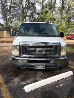 2008 Ford econoline 350 for Sale in Miami, FL
