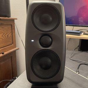 IK Multimedia iLoud MTM Active Studio Monitor Speakers (Pair) for Sale in Glendora, CA