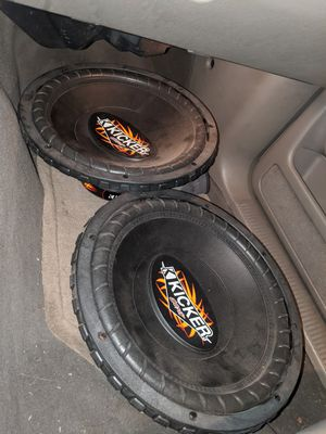 """Kicker 12"""" comp sub woofers and box for Sale in ROWLAND HGHTS, CA"""
