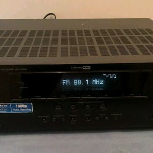 Yamaha RX-V565 7.1 Channel 90W HDMI Surround Sound HDMI Receiver for Sale in Kenmore, WA