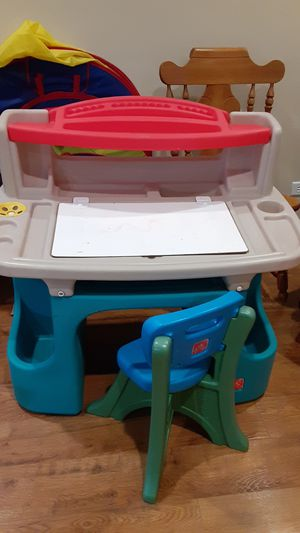Kids desk and chair for Sale in Homer Glen, IL