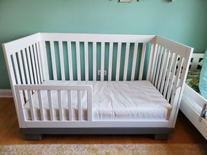 Crib / toddler bed + mattress for Sale in Chicago, IL