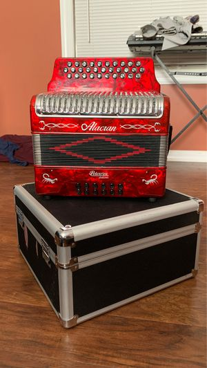 Hohner Alacrán Accordion for Sale in Georgetown, KY