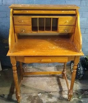 Small rolltop desk for Sale in Ellwood City, PA