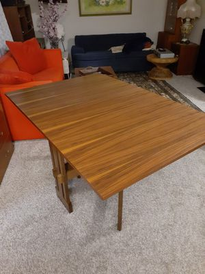 1970 vintage mid century modern teakwood kitchen dining table for Sale in BELLEVUE, WA